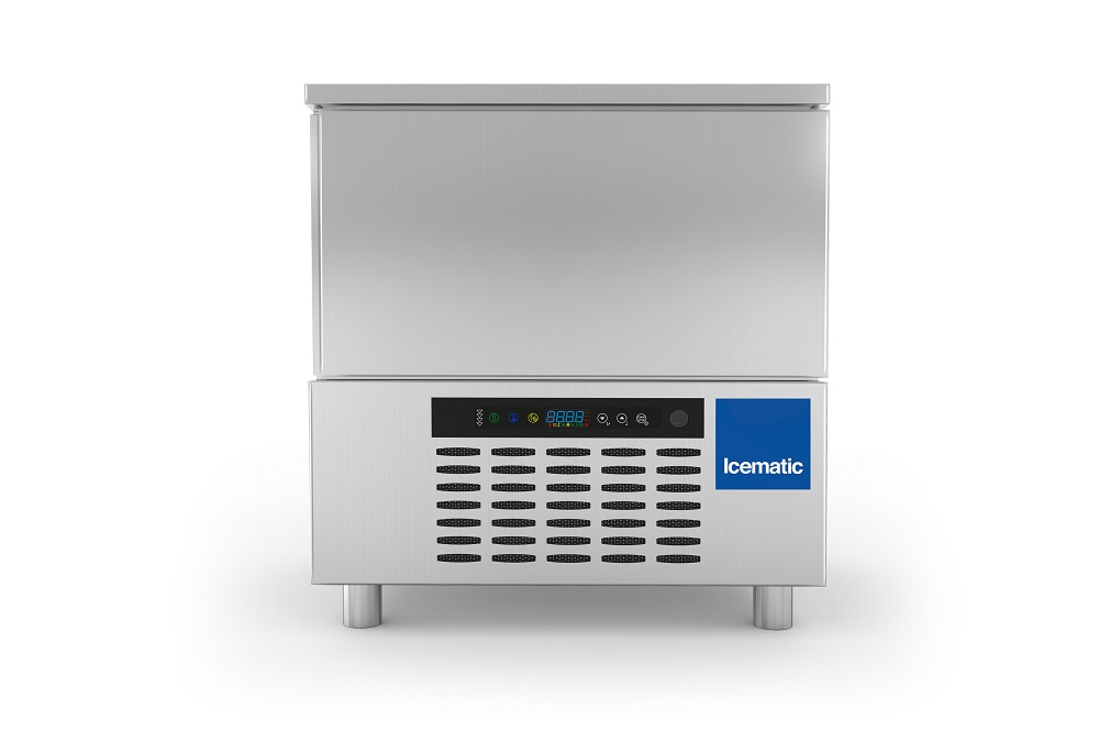 Icematic is now introducing the new ST range of blast chillers and blast freezers. These machines are designed to improve the quality and organization of work. Powerful, versatile, easy to use and reliable. These are the most important features of Icemati